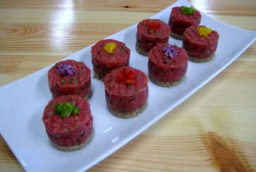 BauerGiese kocht: Canapés mit Steak Tatar vom Deutsch-Angus Rind