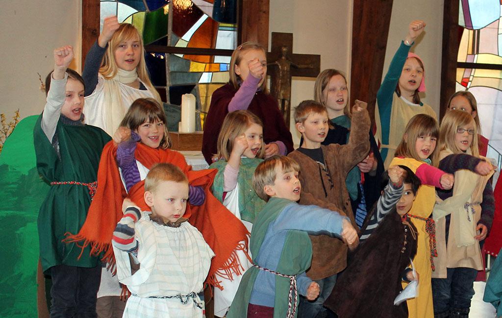 Der Chor in Aktion (Foto: Pastor Dr. Dirk F. Gniesmer)
