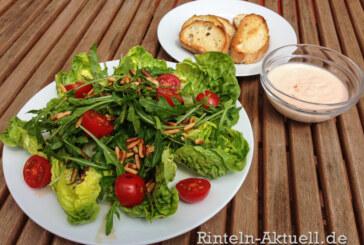 Frischer und leckerer Sommersalat