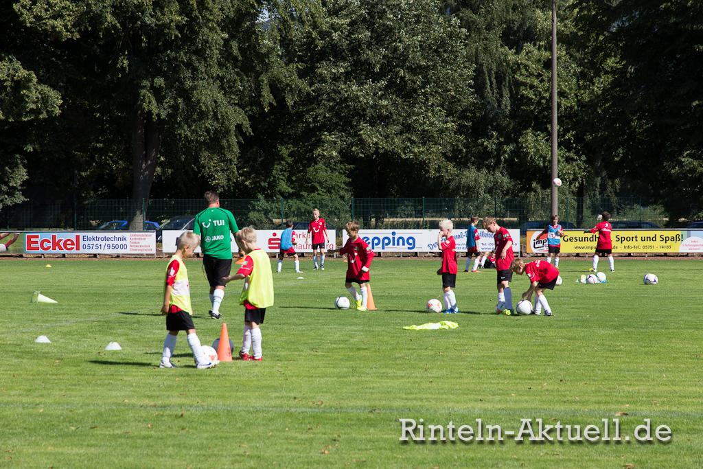 04 rinteln aktuell fussballschule hannover 96 sc rinteln kicker spiel kinder elf training nachwuchs steinanger