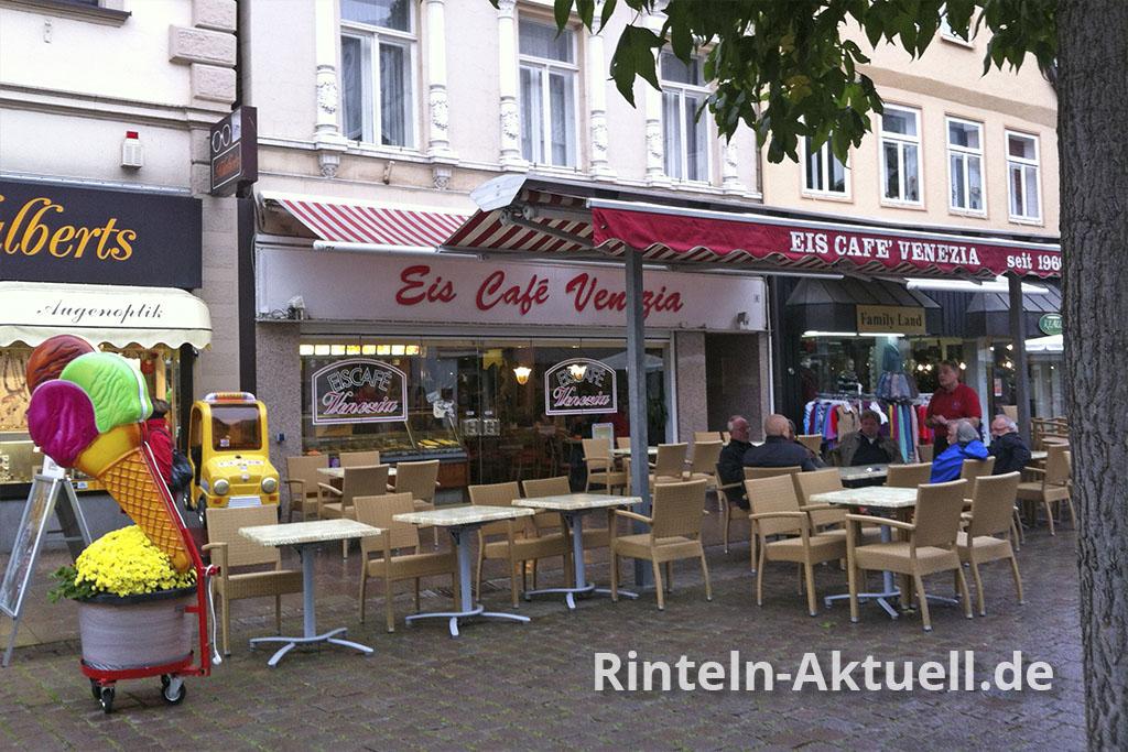 Das Eiscafe Venezia erfreut die Rintelner seit 1960 mit leckeren Eis-Spezialitäten.