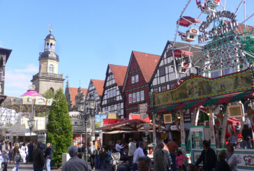 Kirmesnostalgie und Altstadtflair: Rintelner Herbstmesse lockt vom 01. – 04.11.2013