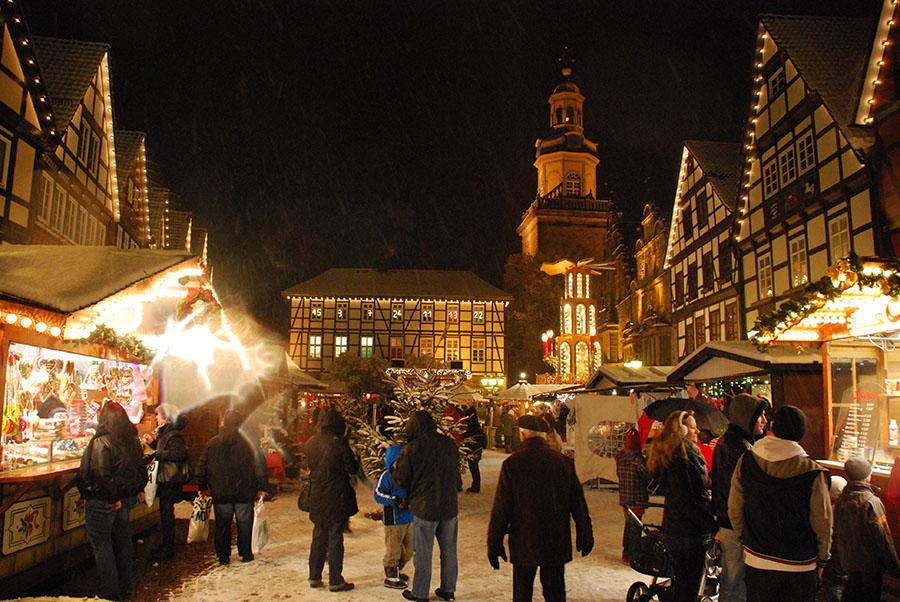 02 rinteln aktuell adventszauber weihnachtsmarkt platz fest dezember xmas