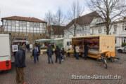 Erweitertes Angebot auf dem Rintelner Wochenmarkt: Am Samstag mit Imbiss- und Brathähnchen-Wagen