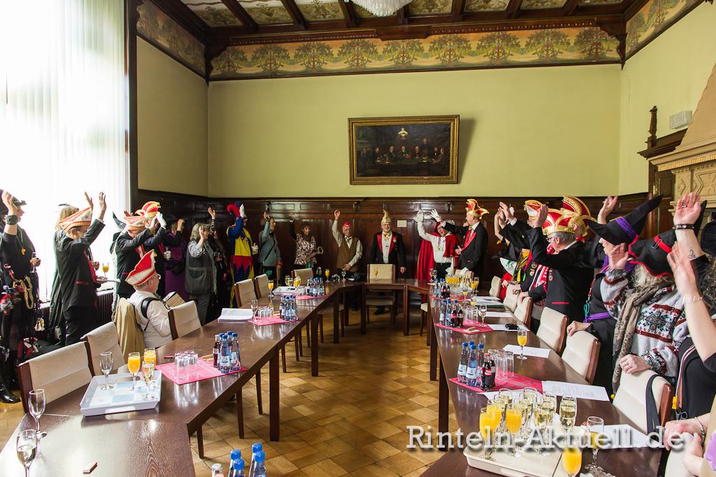07 rinteln karneval rathaus hexen schluessel buergermeister