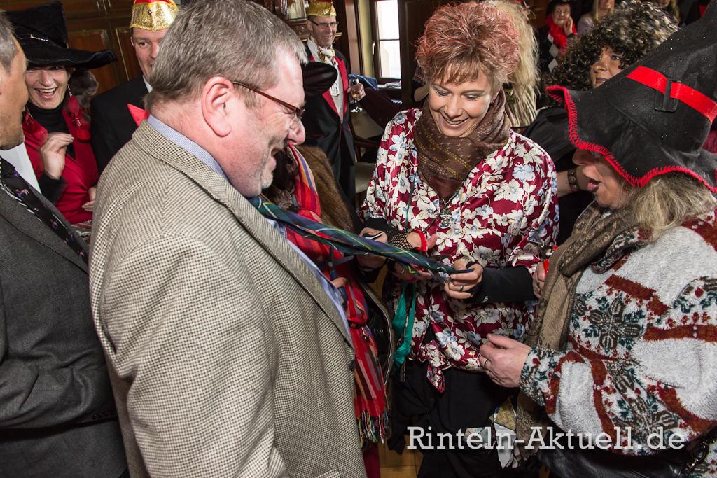 08 rinteln karneval rathaus hexen schluessel buergermeister