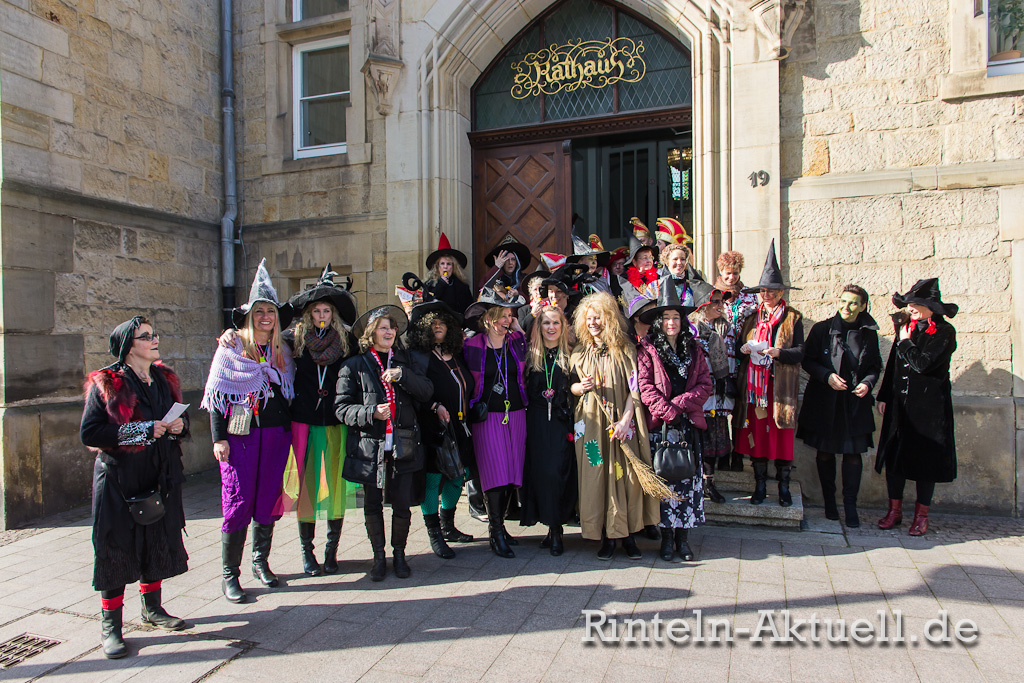 17-rinteln-karneval-rathaus-hexen-schluessel-buergermeister