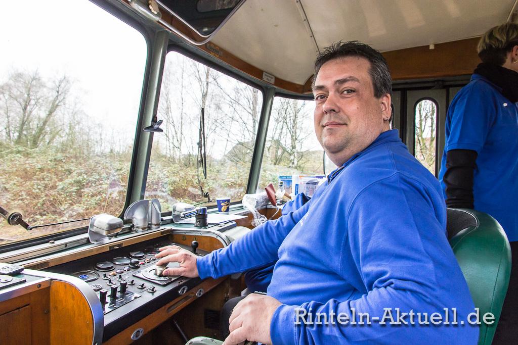 Herr über 150 PS: Andreas Samtleben fährt ehrenamtlich gern etwas langsamer.