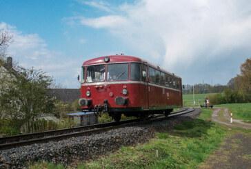 Volle Fahrt voraus: Der historische Schienenbus startet wieder durch