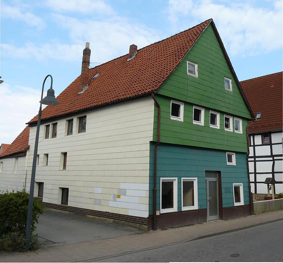 Das mit einer Fassadenverkleidung umgestaltete Bürgerhaus ist Geschichte. (Foto: Museum Eulenburg)