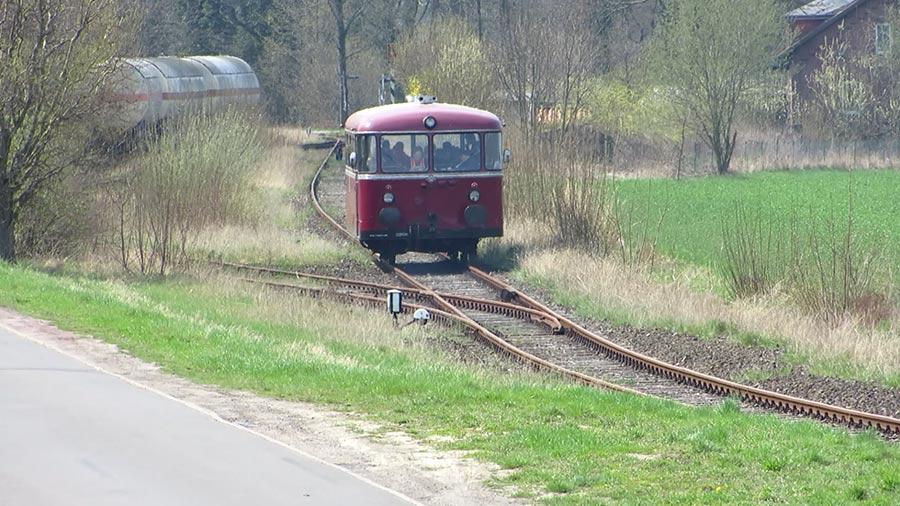 01-rintelnaktuell-schienenbus-osterfahrt