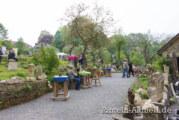 Frösche, Elfen, Eier und Vogelhäuser: Künstlerische Vielfalt beim Frühlingsfest im Steingarten an der Paschenburg