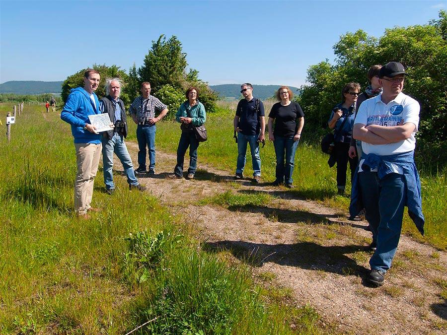 01-rintelnaktuell-Kiesteich-Hohenrode-Exkursion-NABU-Auetal-18.05.2014