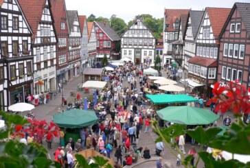Bauernmarkt in Rinteln: Tierisches Vergnügen mit regionalen Produkten