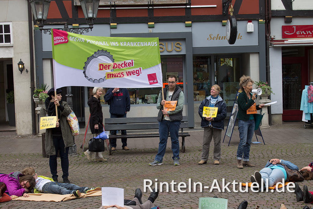03-rintelnaktuell-flashmob-marktplatz