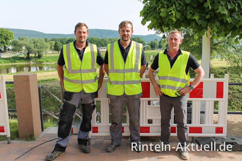 Weiter gehts zur nächsten Baustelle: Die Glück-Mitarbeiter fahren nach Lübeck um eine weitere Brücke zu installieren.