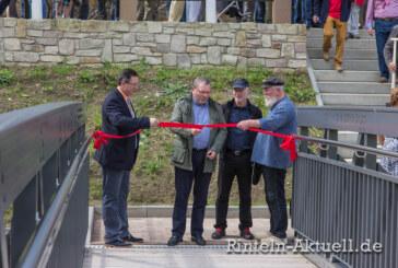 Endlich fertig: Die Fußgängerbrücke wurde feierlich eingeweiht und wird fleißig genutzt.