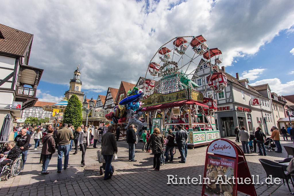 27 rintelnaktuell maimesse 2014 karussel buden riesenrad fahren spass familie