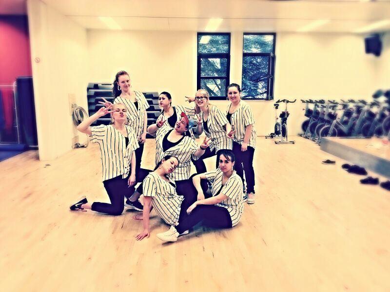 Die NA Crew lockert mit Tanzeinlagen die Stimmung auf. (Foto: Stadt Rinteln)