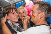 Zelte, Lounges, Schminke und neun Quadratmeter Full HD: Rinteln, Deutschland und Ghana am Samstag Abend