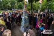 Der Himmel über Rinteln weint: Abschiedsgeschenk der Prince-Rupert-School überreicht