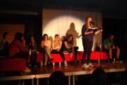 Wortkampf im Gymnasium: Poetry Slam nach dem Fußballspiel