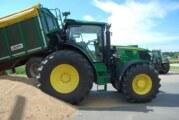 40.000 Euro Schaden: Anhänger rammt Traktor in Hagenburg