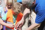 Lions Club Rinteln überreicht Warnwesten an Comenius-Kindergarten