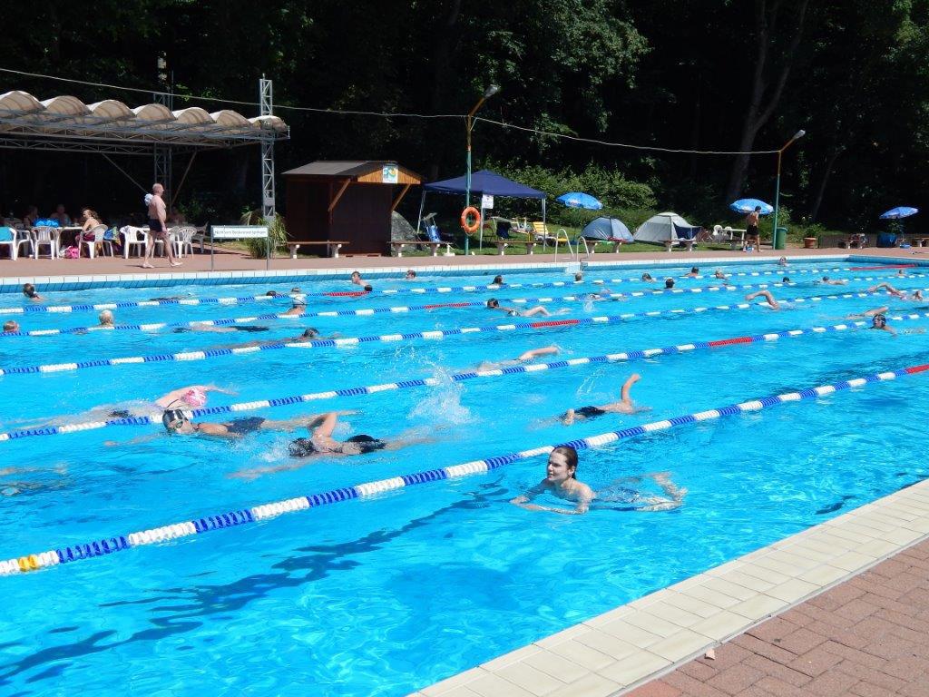 02-rintelnaktuell-dlrg-schwimmen-24-stunden