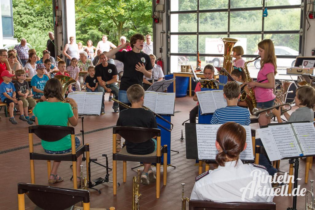 05 rintelnaktuell feubori mitmachnachmittag feuerwehr orchester musik