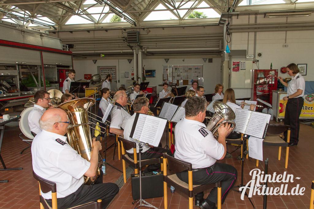 08 rintelnaktuell feubori mitmachnachmittag feuerwehr orchester musik