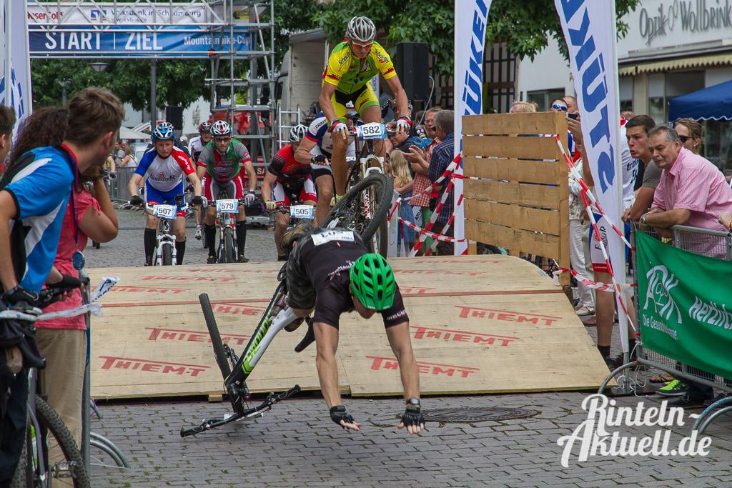 08 rintelnaktuell stueken mountainbike cup mtb wesergold victoria lauenau altstadt event fahrrad