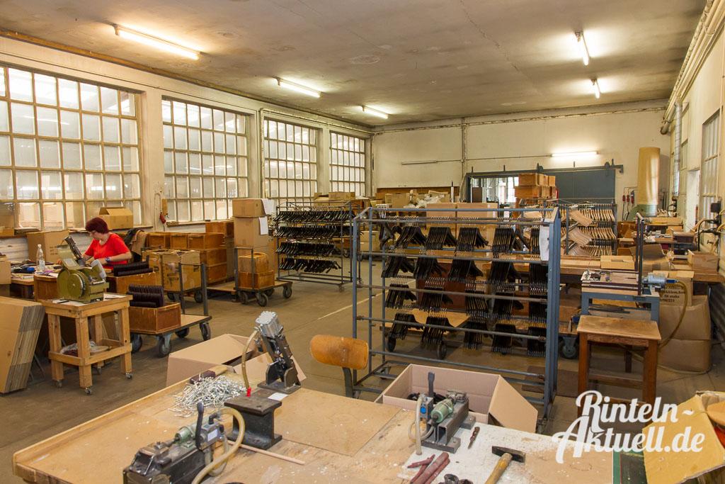 12 rintelnaktuell wiwa kleiderbuegel deckbergen produktion