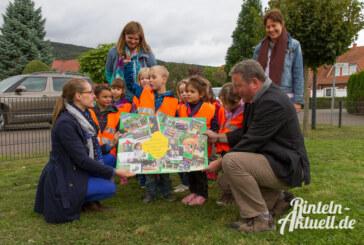 Kinder stimmen ab: Mikado-Spielgerät am Spielplatz an der Dr. Krukenberg-Straße