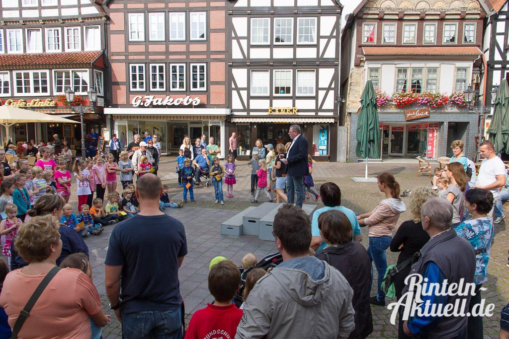 03 rintelnaktuell weltkindertag marktplatz kirchplatz zeit fest veranstaltung