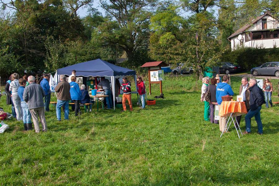 01-rintelnaktuell-nabu-Streuobstwiese-Hohenrode-Apfelfest-05.10.2014