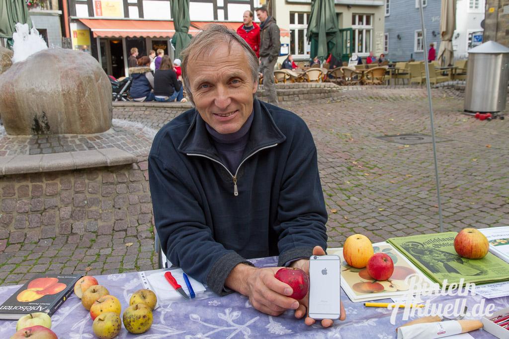 03 rintelnaktuell apfelfest innenstadt prorinteln saftpresse frucht