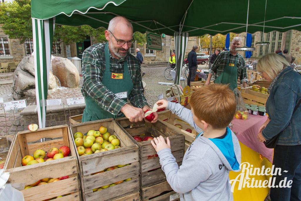 09 rintelnaktuell apfelfest innenstadt prorinteln saftpresse frucht
