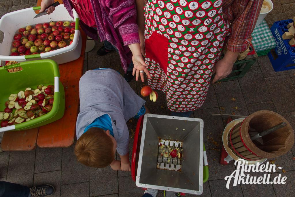 15 rintelnaktuell apfelfest innenstadt prorinteln saftpresse frucht