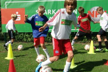 Trainieren wie die Profis: Sparkassen-Fußballschule 2015