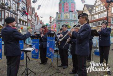 Rintelner Herbstmesse eröffnet: Letzte Amtshandlung von Buchholz, Schlüssel vom Rathaus an Priemer übergeben