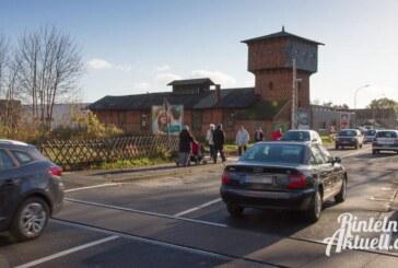 Bahnübergang Mindener Straße: Vollsperrung für alle, auch für Fußgänger