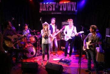 Country & Western zur Weihnachtszeit: Daisy Town spielt im Brückentorsaal
