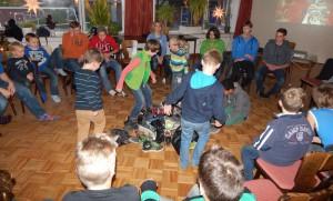 01-rintelnaktuell-dlrg-ortsgruppe-jugend-weihnachtsfeier
