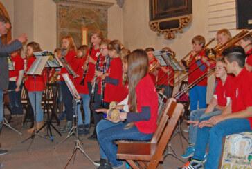 Gute Noten: Das Weihnachtskonzert des Gymnasiums Ernestinum in der St. Nikolai Kirche