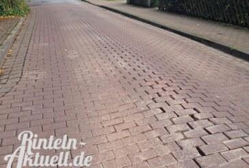 Asphalt statt Straßenpflaster: Reparaturen in der Dauestraße