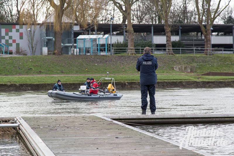 05 rintelnaktuell polizeieinsatz frau weser vermisst 27.1.15 suche boot sonar