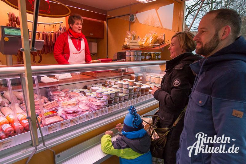 03 rintelnaktuell wochenmarkt einkauf familie