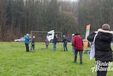 BIOS: Steinberger hängen Plakate für Ortsumgehungen auf