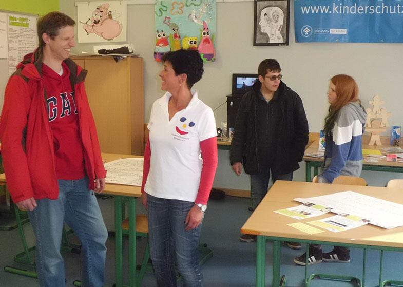 01-rintelnaktuell-kinderschutzbund-coaches-teenager
